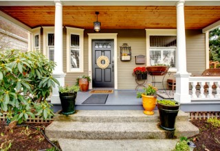 How to Safely Decorate the Siding on Your Home